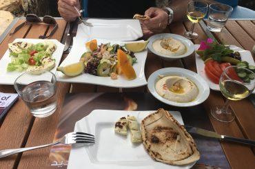 Vorspeisen im Manara Palace Café Beirut