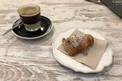 Spanisches Frühstück mit Café Bombón